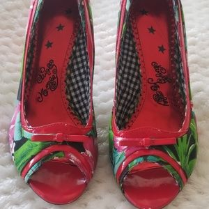 Naughty Monkey Red Floral Sz 9